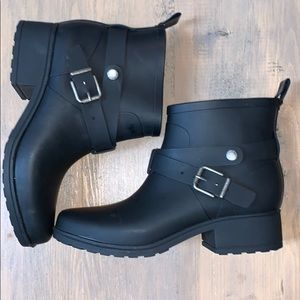 Lucky brand rubber buckle boots